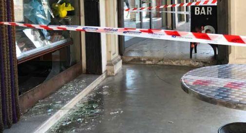 Violenta rissa a Ceneda, distruggono il vetro della macelleria