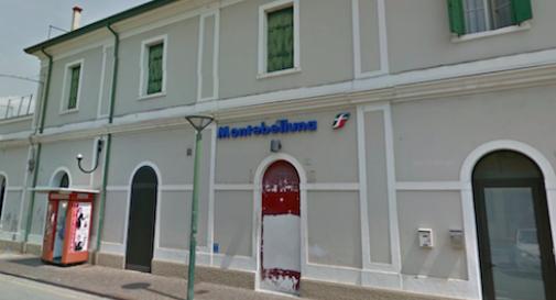 Fulmine mette fuori uso il sistema elettrico, disagi in stazione a Montebelluna