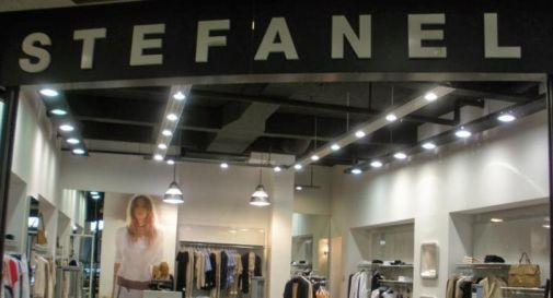 un negozio Stefanel