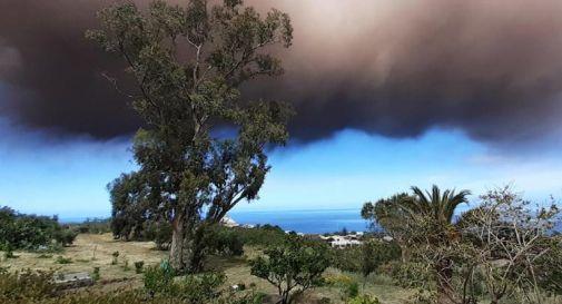 Stromboli, nuova forte eruzione e colonna di fumo