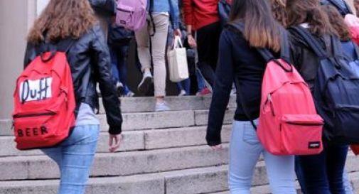 Offese a prof di Lucca: bocciati i 3 bulli
