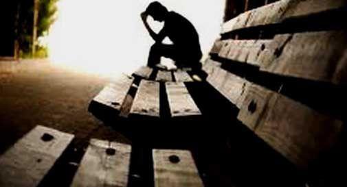 Disoccupato si suicida. Negli biglietto d'addio