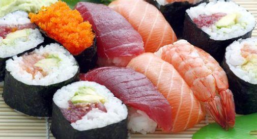 Sta male dopo il sushi e trasmette il virus ai genitori: salgono i contagi nel pievigino