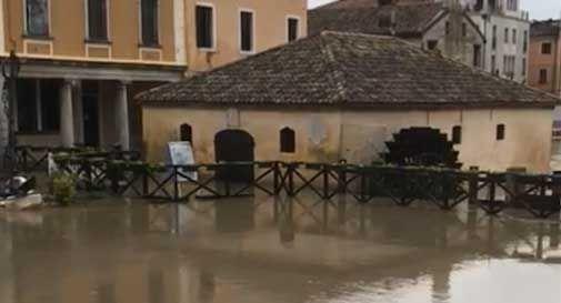 Il maltempo mette in ginocchio il Veneto, Zaia: