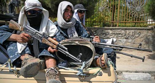 Afghanistan, esecuzioni dei Talebani a Herat: quattro corpi appesi in piazza