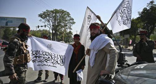 Afghanistan, talebani riaprono scuole ma solo per maschi