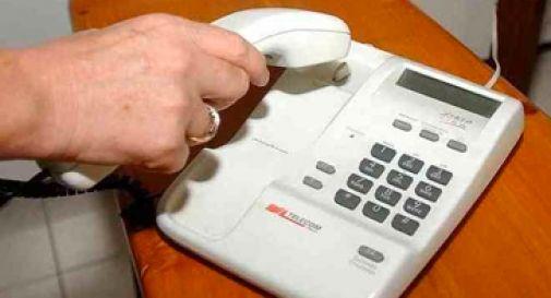 Paga le fatture telefoniche di un contratto disdetto sette anni fa, parte la denuncia