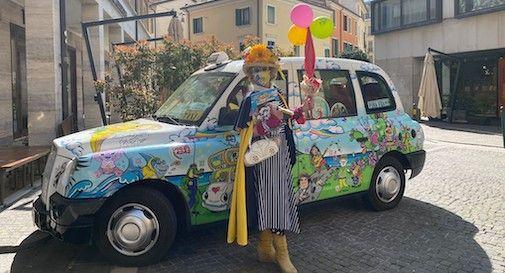 Caterina, la zia più famosa d'Italia è a Treviso con il taxi del sorriso