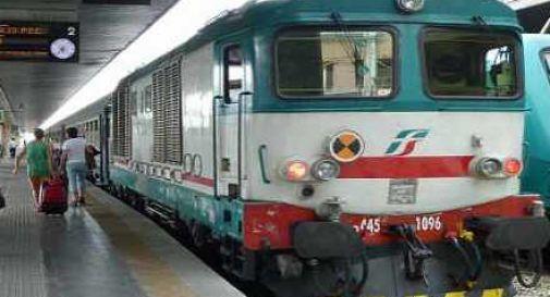 Adolescente si lancia sotto il treno e muore davanti agli occhi della madre. Lei ricoverata sotto shock