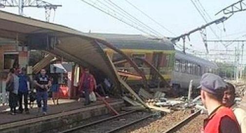 Treno deraglia vicino Parigi Almeno otto le vittime