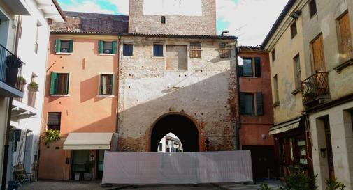 Casa del Trombetta, lato interno delle mura di Castelfranco