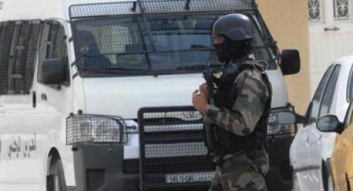Tunisia, esplode bus della guardia presidenziale: 15 morti