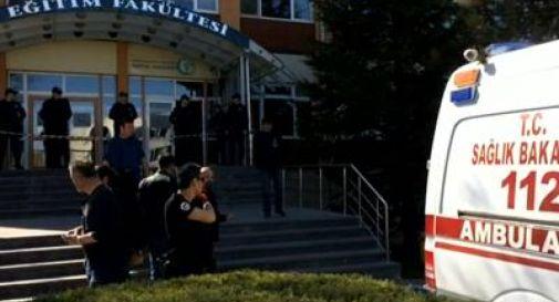 Spari in università turca: 4 morti