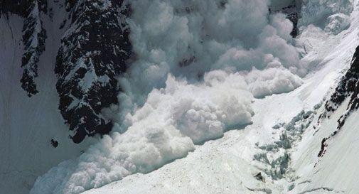 Valanga sulle Dolomiti, si cerca un escursionista