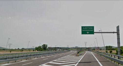 Schianto in autostrada: un morto e un ferito grave sulla A31