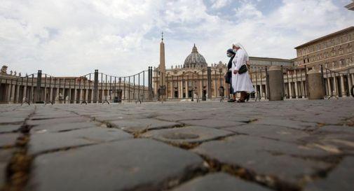 Scandalo Vaticano, cardinale Becciu a giudizio con altri 9