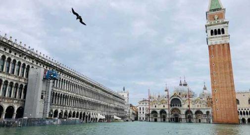 Venezia: il picco si ferma a 150 cm, la marea scende
