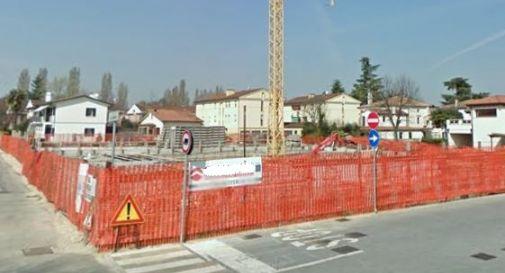 Via Canova, proteste per la lottizzazione abbandonata