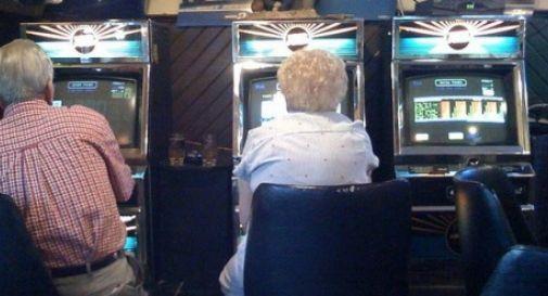 Gioco d'azzardo, mozione per limitare le aperture