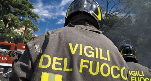 Si incendia la canna fumaria, intervengono i vigili del fuoco