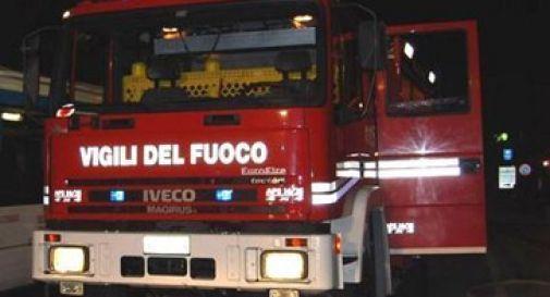 Incendio alla concessionaria,  in fiamme alcune auto. C'è il sospetto del dolo