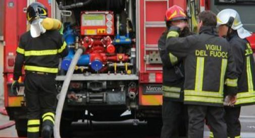 Bari, esplosione in un'azienda di fuochi pirotecnici: 6 morti