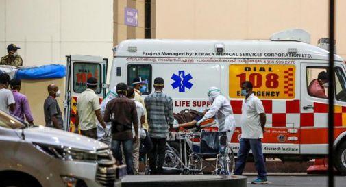 Covid India, incendio in ospedale: 18 morti