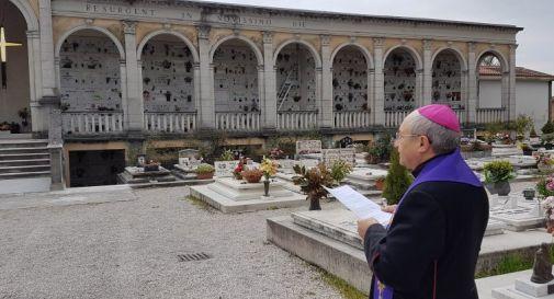Vescovo Pizziolo in cimitero