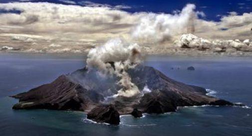 Erutta un vulcano: il bilancio è di 5 morti e una ventina di dispersi
