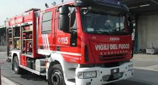 Camion in corsa in fiamme