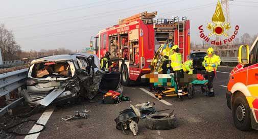 Conegliano, schianto tra auto in A27: feriti e traffico in tilt