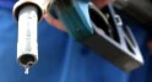 GASOLIO ALLE STELLE, AUTOTRASPORTI IN GINOCCHIO