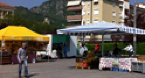 MERCATO DEL CONTADINO: I CLIENTI SOSPETTAVANO IL FURBETTO